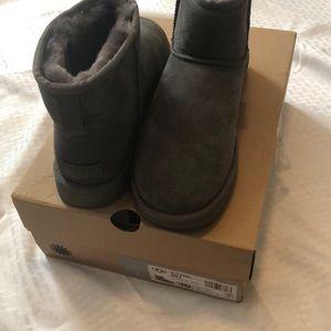 Ugg grey classic mini boot